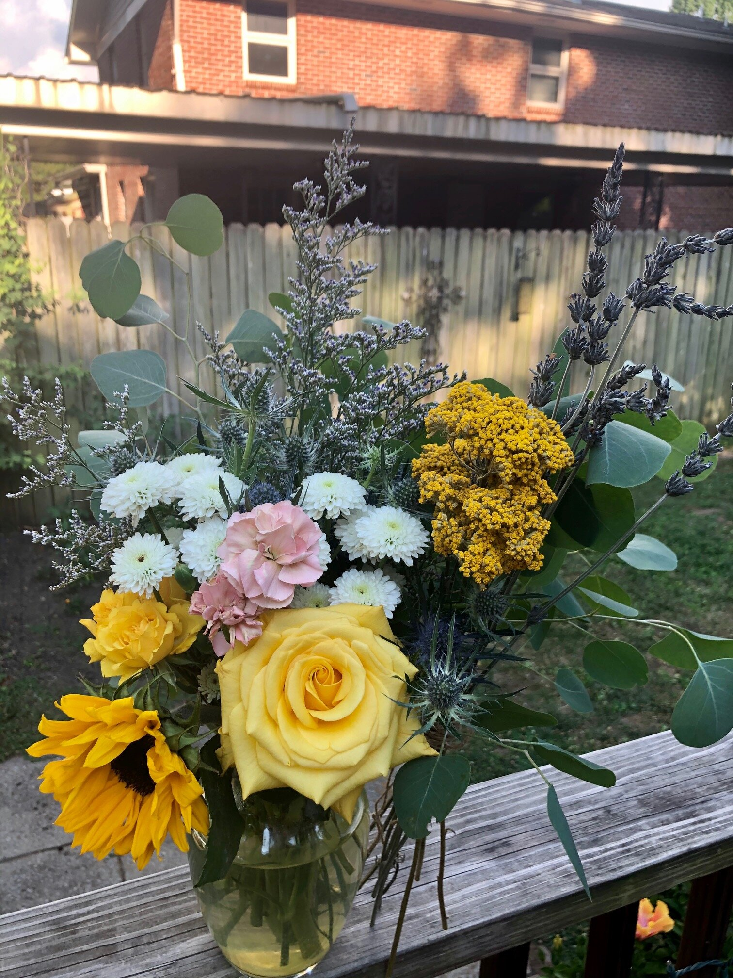 17 Excellent Ingredients For Therapeutic Edible Flower Bouquets