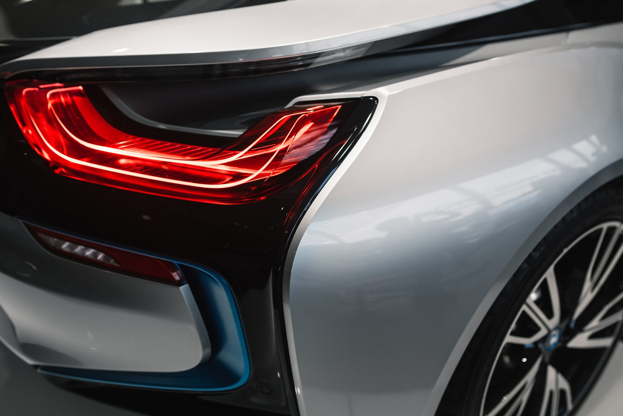 kaboompics_Breaklight of the car BMW i8.jpg