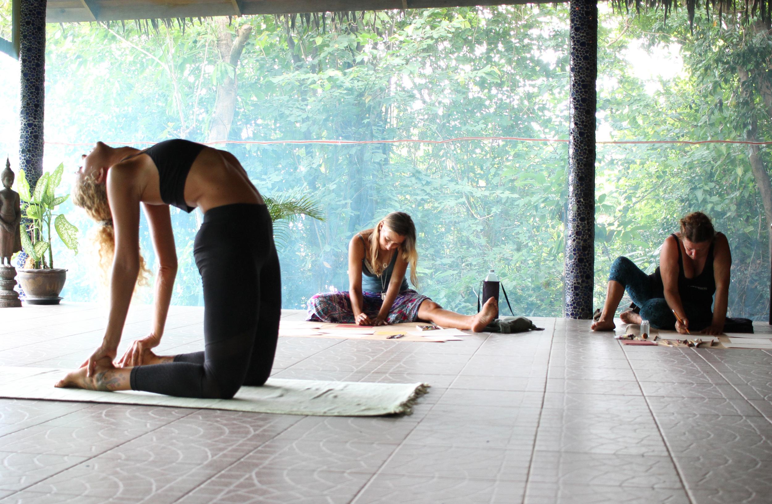 Live Drawings of Yoga