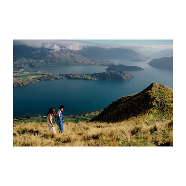 Kia Ora. When people talk about Pre-Wedding Photoshoots at New Zealand, they will talk about the iconic summit surrounded by rolling mountains and painted in Mother Nature's colours. . I'll be heading down to New Zealand in early Feb 2020. If you're keen to join in, do drop me an email.