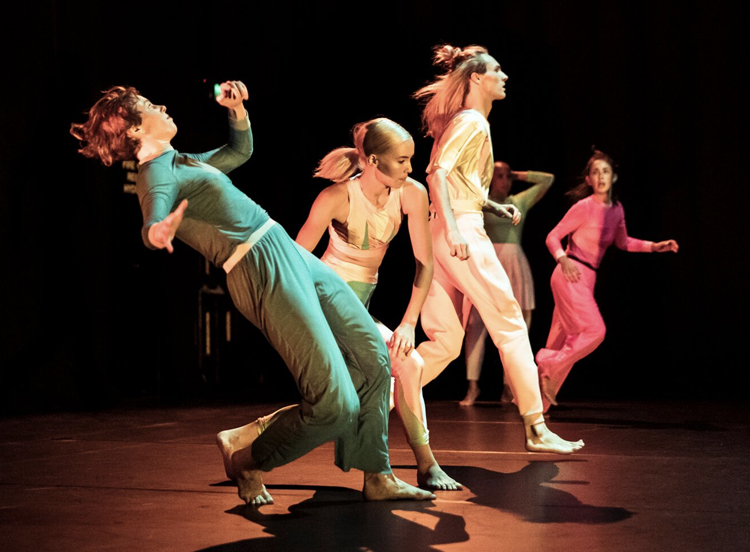 Lucy Guerin Inc perform  Make Your Own World , 2019, photographed by Pippa Samaya