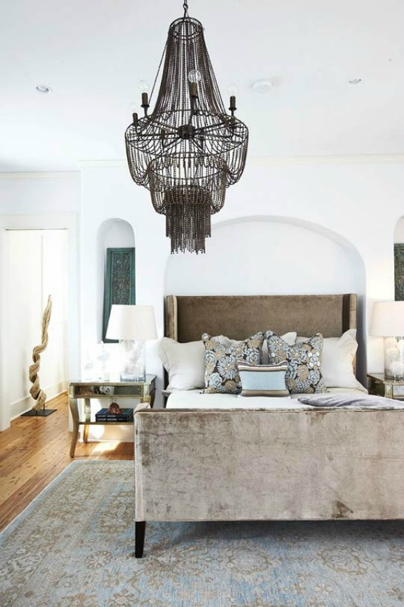 velvet.bedroom.jpg