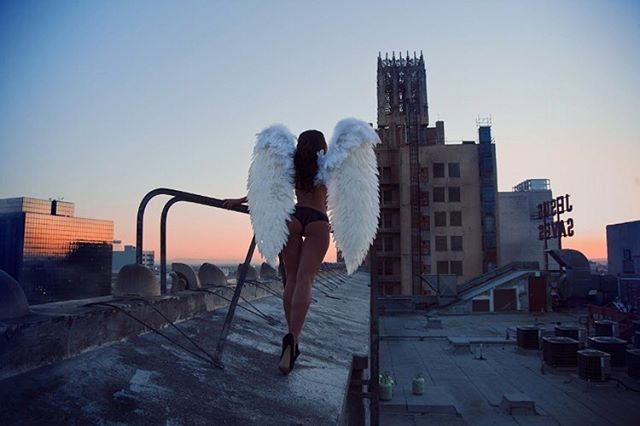 EASTERN ANGEL by TOM FRAUD • L.A • Limited Edition DM for details • . . . . #photography #photographer #photoshoot  #interiordesign #interior #interiorinspo #decor #luxury  #prints #instadeco  #art #style #fashion #home #losangeles  #model #bloodmix #tomfraud #rosieroff #rooftop  #city