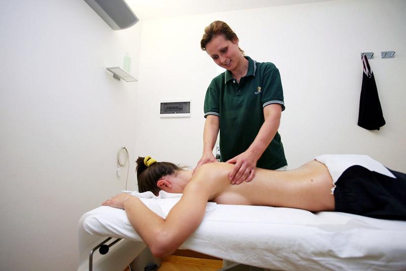 2-Top-Physio-Network-Prestazioni-Terapie-manuali-Massoterapia.jpg