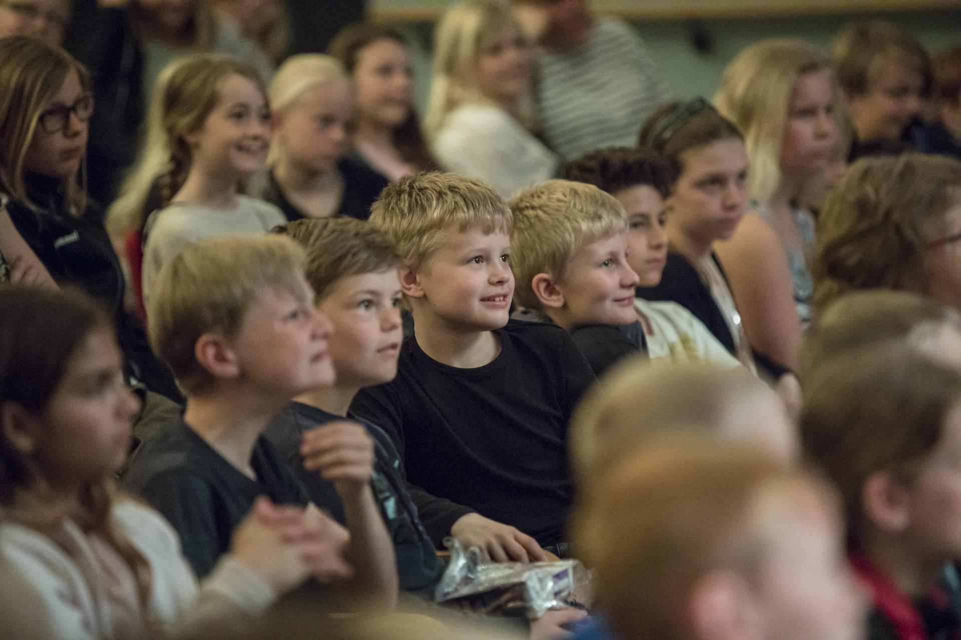 Sløngeldage fredag- web - Fotograf Per Bille-20170519-2517, glade børn.jpg
