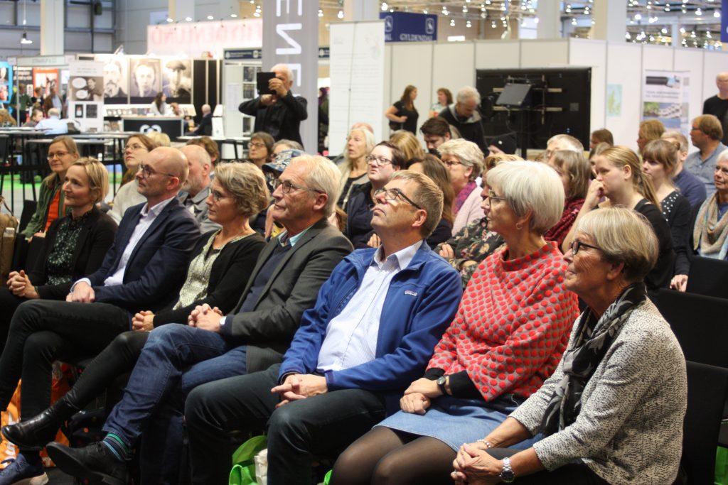 20181027-Di-Hæslige-Slønglers-Klup-modtager-Klods-Hans-prisen-2018-9-1024x683.jpg