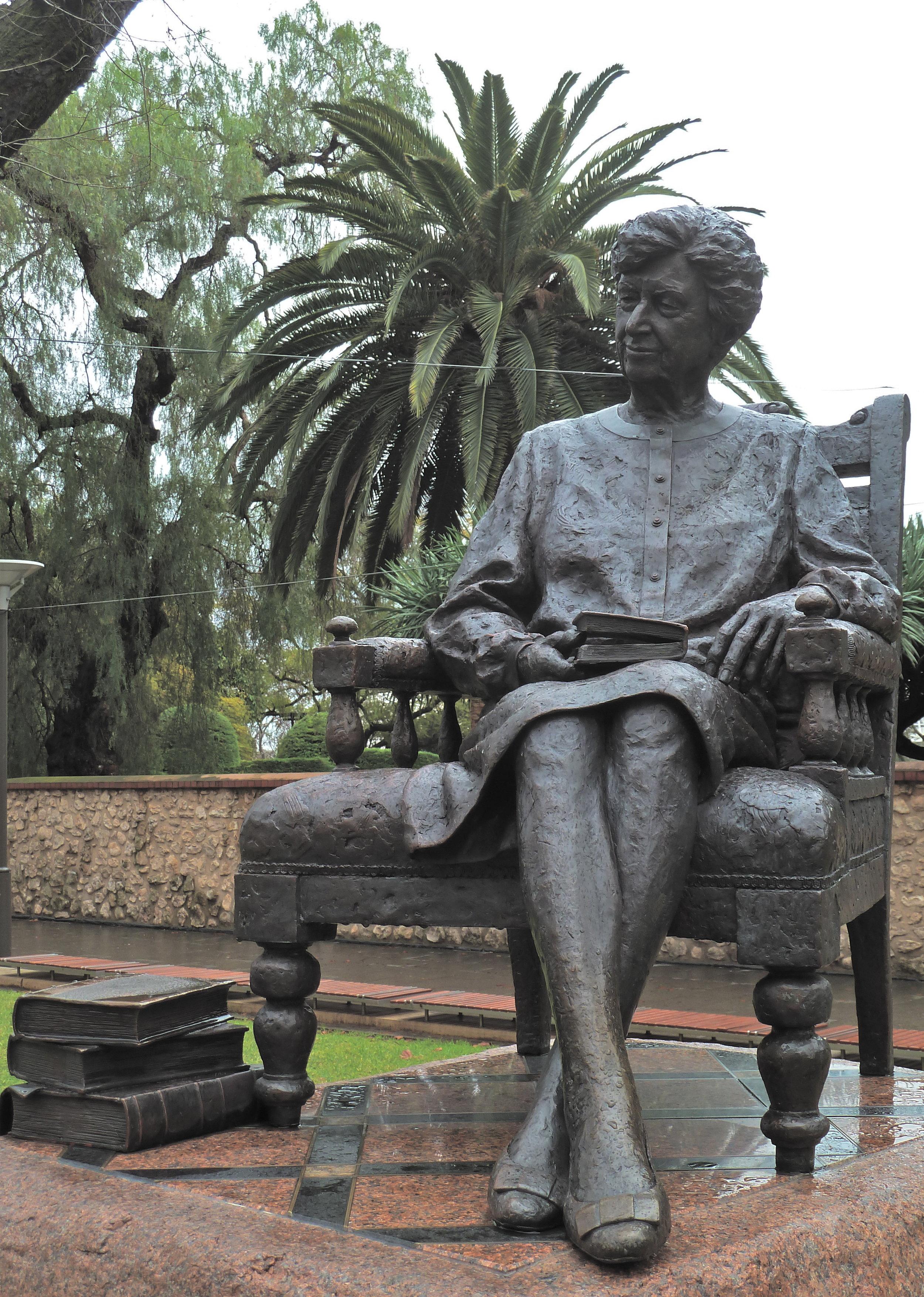 Jean, Lady Bonython (1891-1977)…