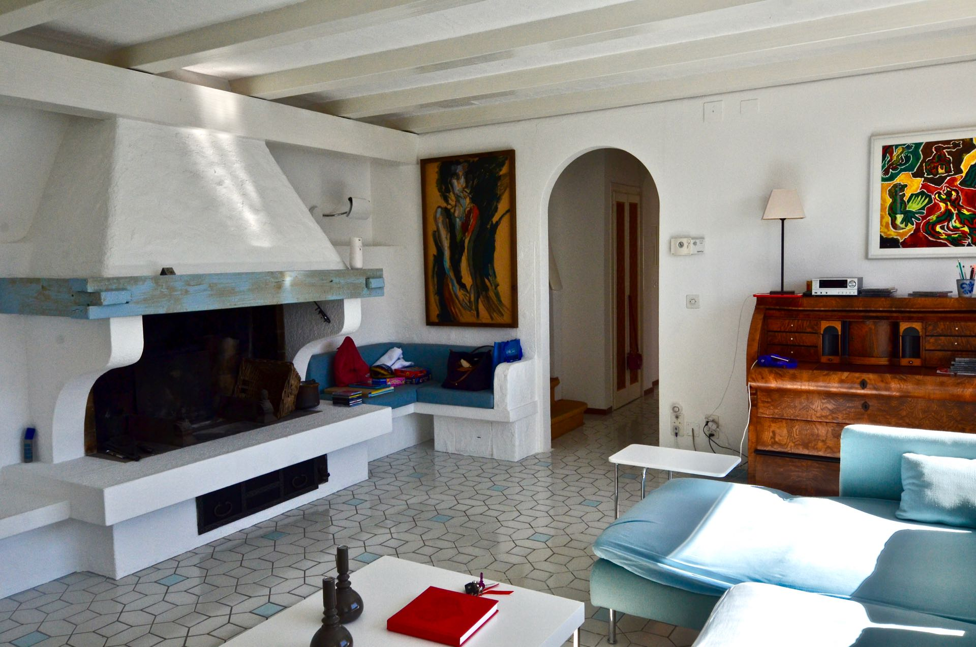Living room, villa (to be renovated) at building land in Rocco, Ticino, Switzerland for sale