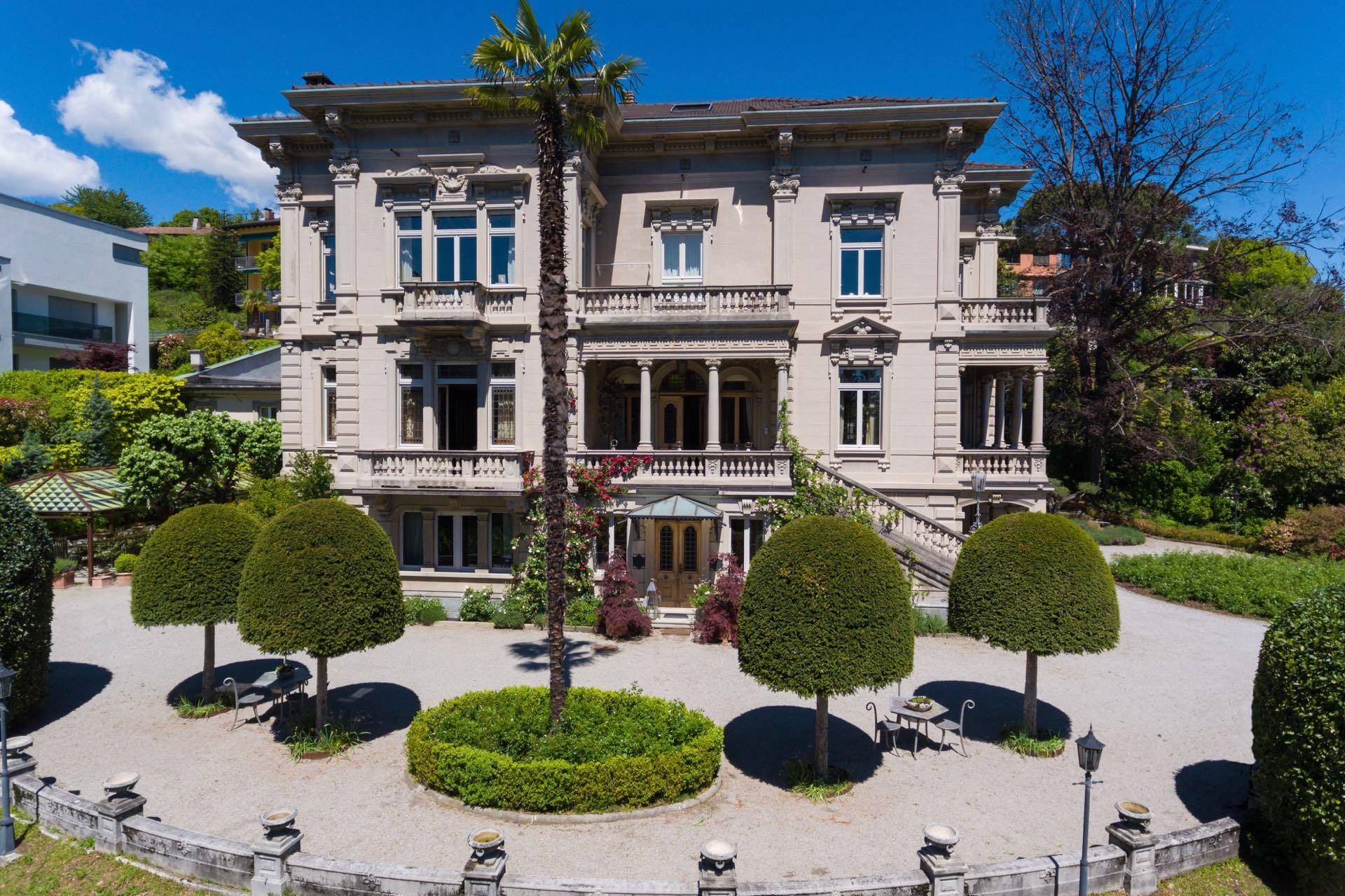 Villa Elisa, una delle ville classiche più grandi di Lugano, Svizzera in vendita