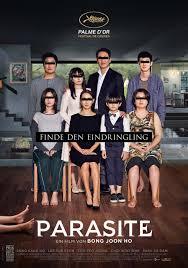 La Palma d'oro a Cannes 2019 per il suo film  Gisaengchung  ( Parasite ).