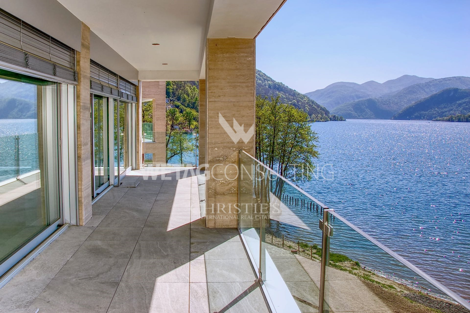 Apratment with 4.5 rooms & terrace - 3 bedrooms, 192 m² living area,14 m² terraceRef. 88259-3CHF 2'080'000