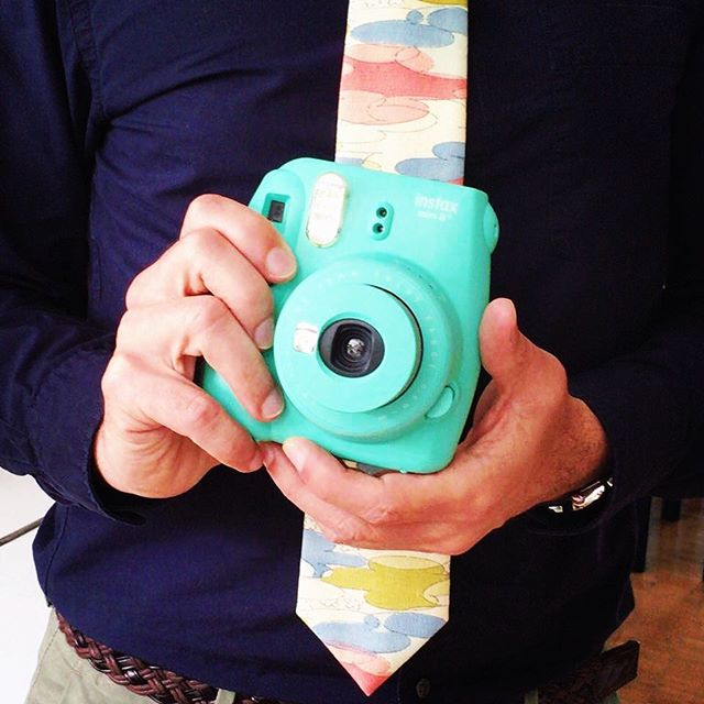 Nice tie @gigilias! Can you believe this bright fabric used to be a kimono?! There's a limited supply of this fun print so hurry before it's all gone! . . . #kinuoutfitters #silk #handmade #upcycle #slowfashion #tie #necktie #bowtie #oneofakind #madetoorder #fashion #mensfashion #onlineboutique #madeinireland #dapper  #ethicalfashion #Vintage #kimono #dublin #vintageinspired #streetstlye #womanownedbusiness #lovindublin #irishmade #ootd #summer #pastel
