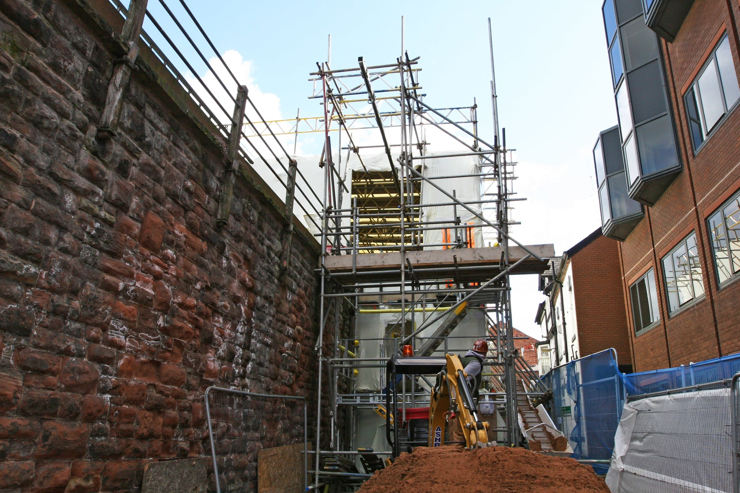 encapsulating scaffolding design for grade 1 listed structure restoration