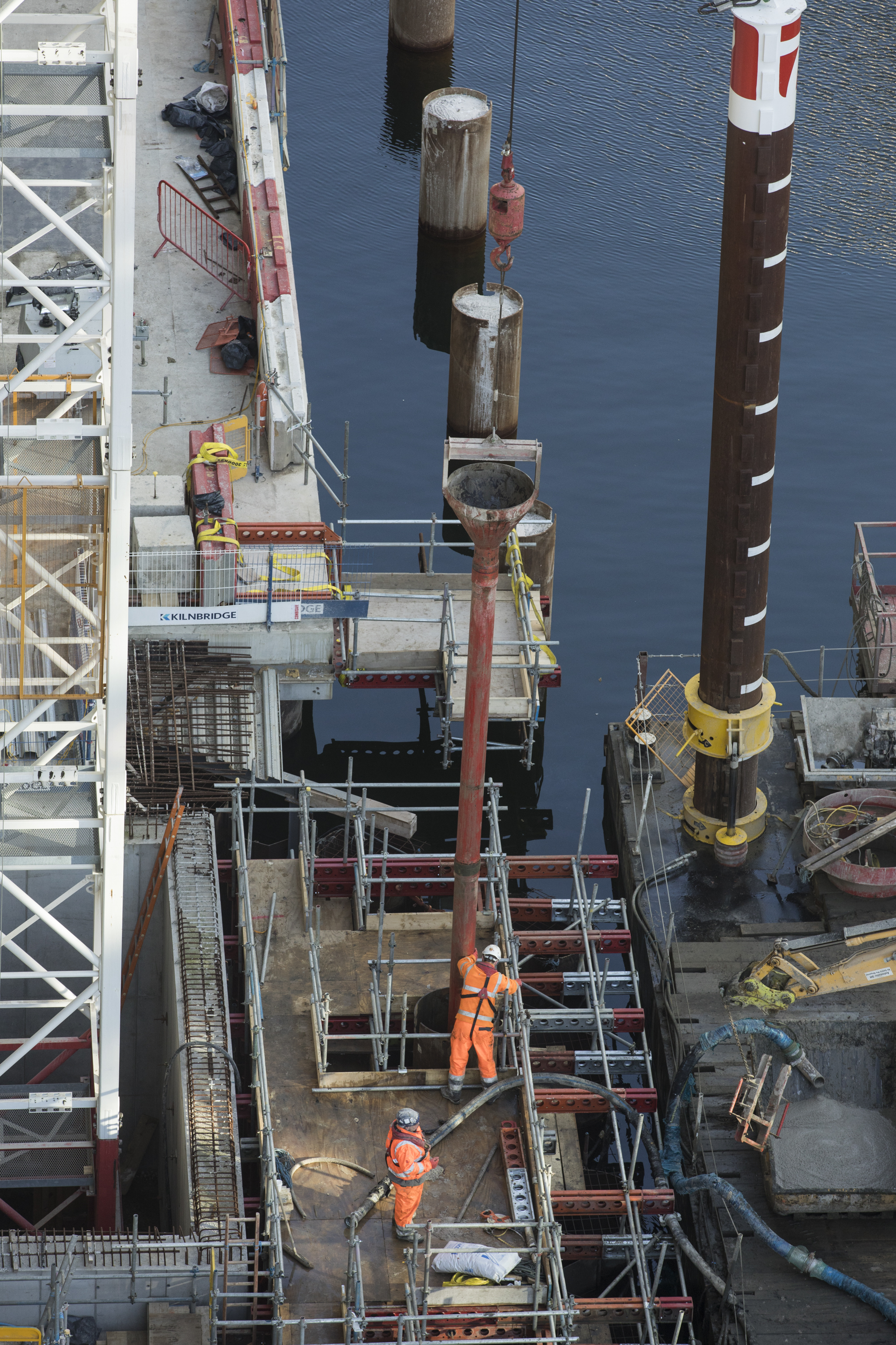 Temporary works platforms for the construction of Montgomery Bridge, Canary Wharf