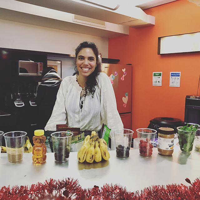 Smoothie bar event was a success! Thank you to the lovely ladies and gents @sheknows and @thumbtack for sharing your Valentine's Day with me! ❤️
