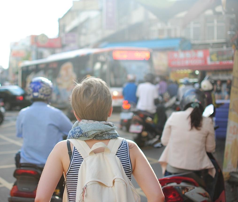 Female-solo-traveler.jpg