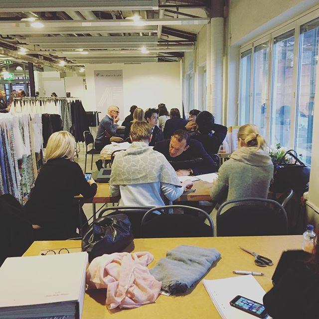 Så var det dags igen! Fullt ös på Preview i Stockholm! #previewfabricsandaccessories #ss18 #spring/summer #fabrics #naturalfibers #madeinitaly🇮🇹 #japanesefabrics