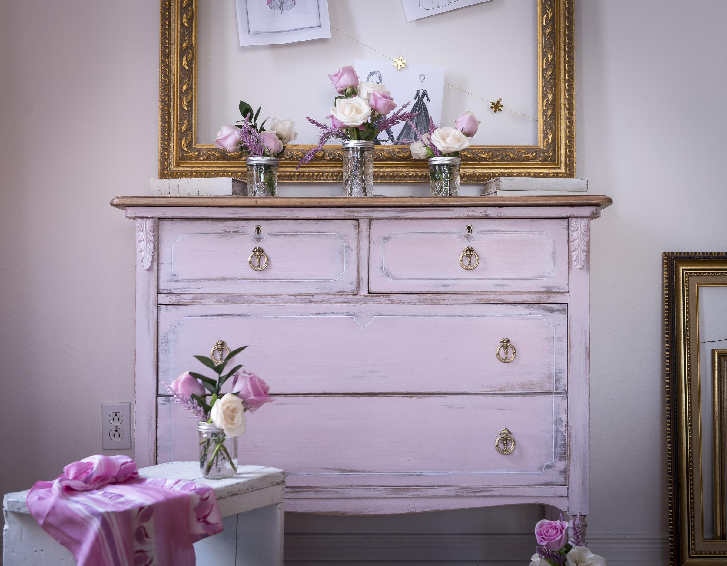 Erin_Mills_Paint_Vintage_Cupcake_-_Mary_Vitullo3_fc828209-b01f-48f6-a524-10668d48c5cb.jpg
