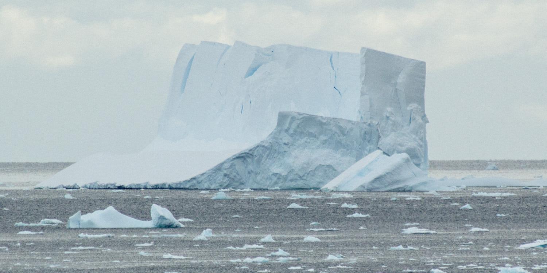 tabular-iceberg-2-12x6.jpg