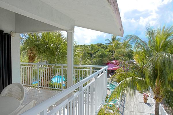 Balcony_6589_standard.jpg