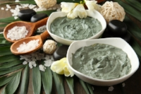 Made from supercharged and decomposed plant minerals from volcanic activity. Water activates the clay, providing an extremely cleansing and detoxifying quality. The clays then begin to naturally draw out toxins, dirt and any remaining oil build-up— all the while acting also as an exfoliant, due to it's gentle polishing texture.