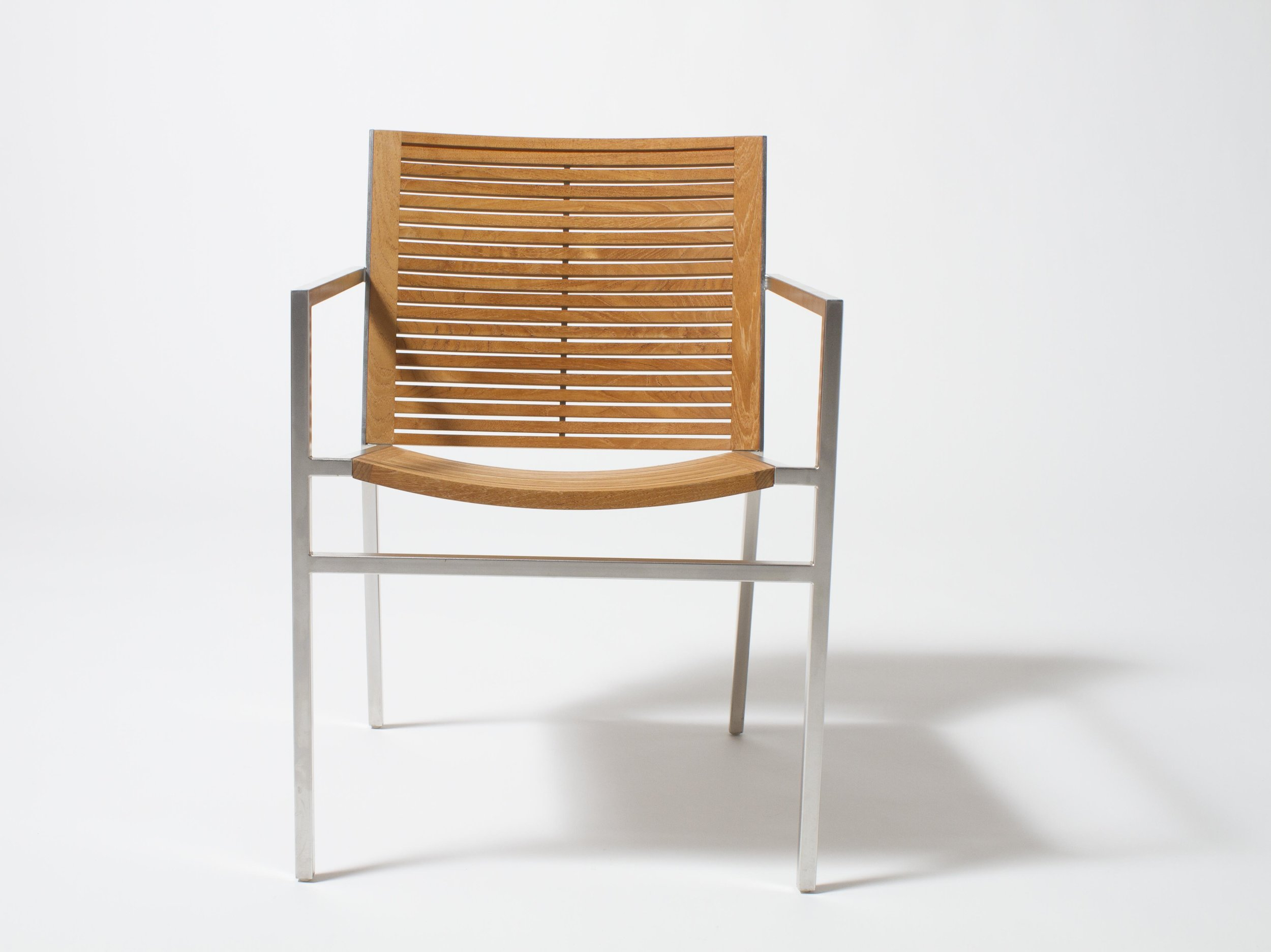 BEO 9101 dining armchair_Studio.jpg