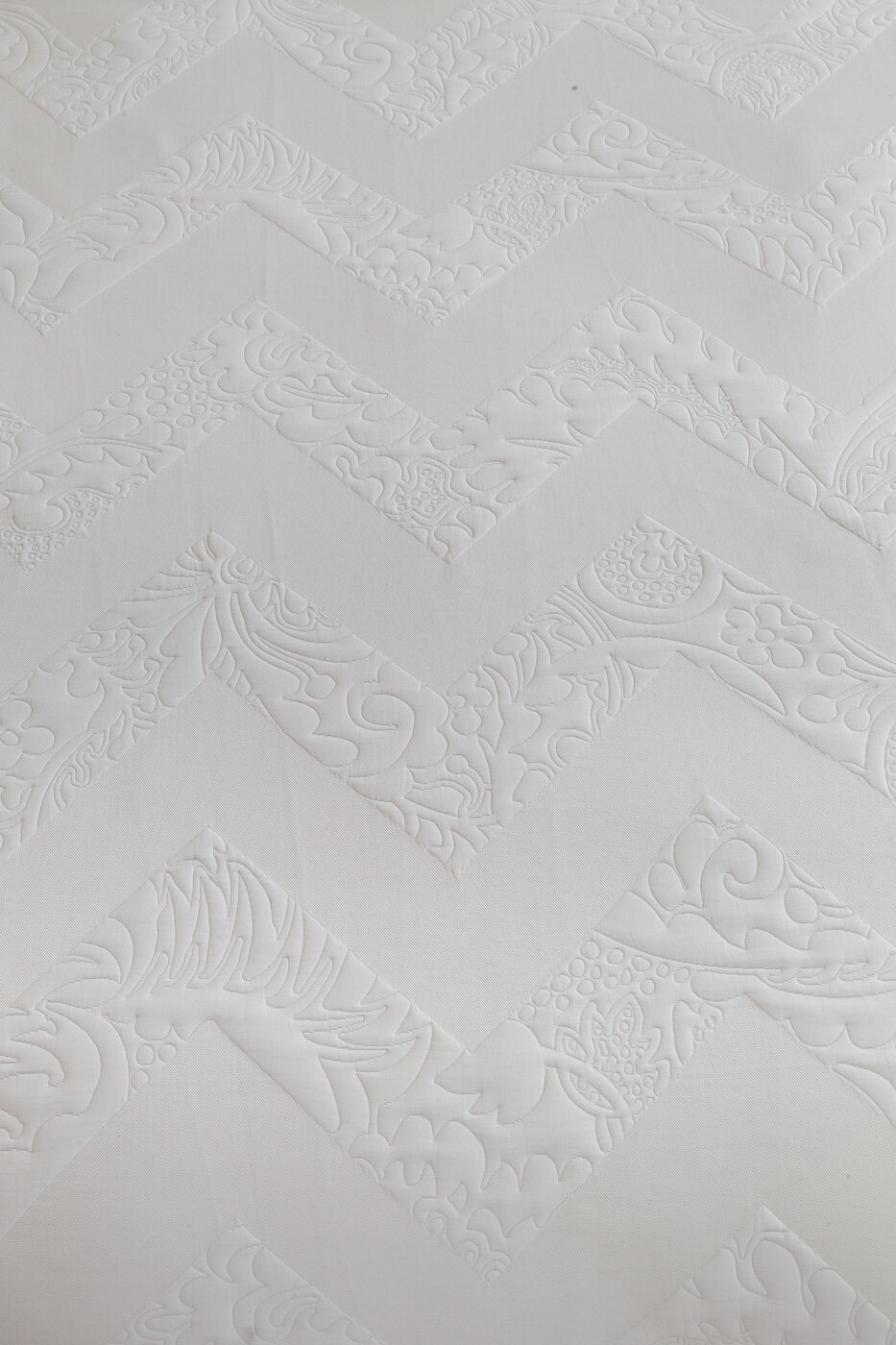Zig Zag Baroque_fabric-innovations-matelassé-9-18-42.jpg