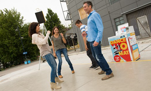 couples_having_fun_at_gap_filler-s_dance_o_mat-celia-coyne.jpg