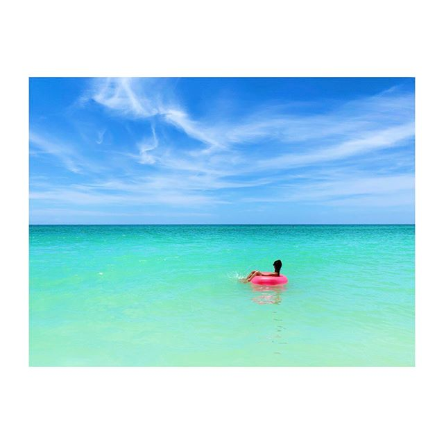Not a worry in the world.... Happy Friday! . . . .  #friyay #beach #summervibes #summerof19 #myhappyplace #summercolors #tropicalwater #turquoisewater #blueskies #florida #beachphotography #jennifergriffinphotography