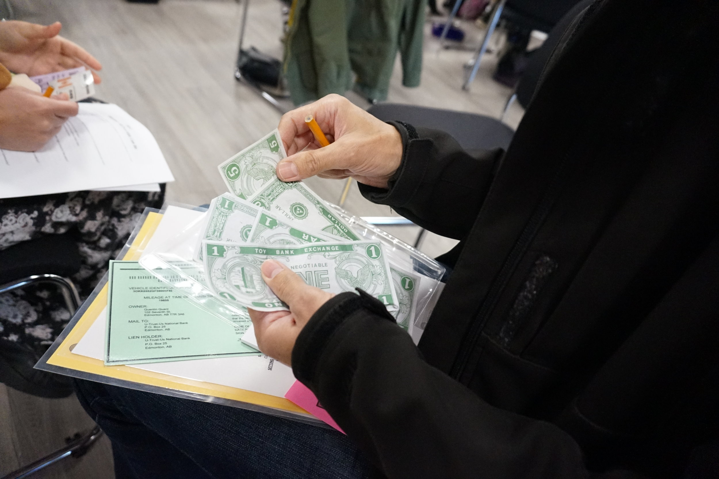 Participant count money available to pay for expenses and bills