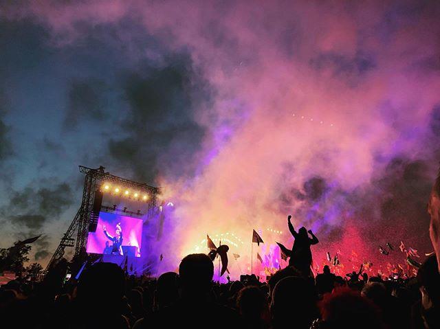 The Killers . Main Stage #glastonbury #glastonbury2019 #thekillers #lasvegasboys #uk #summer #tour #festival #samstown #indierockandroll @glastofest @thekillers