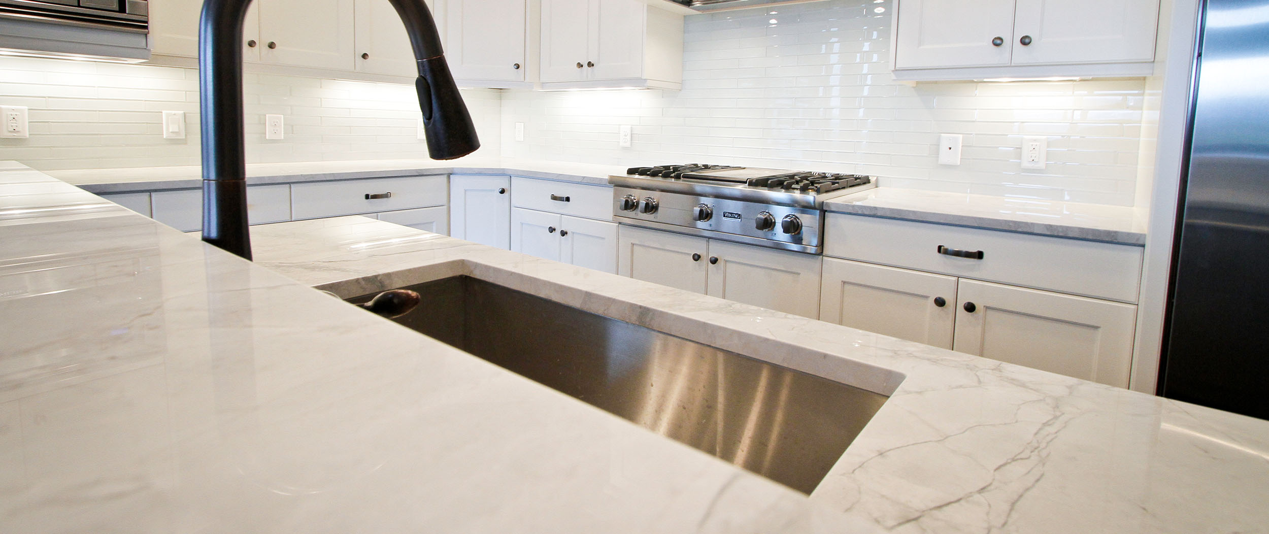 Discover our variety of   kitchen sinks    set an appointment