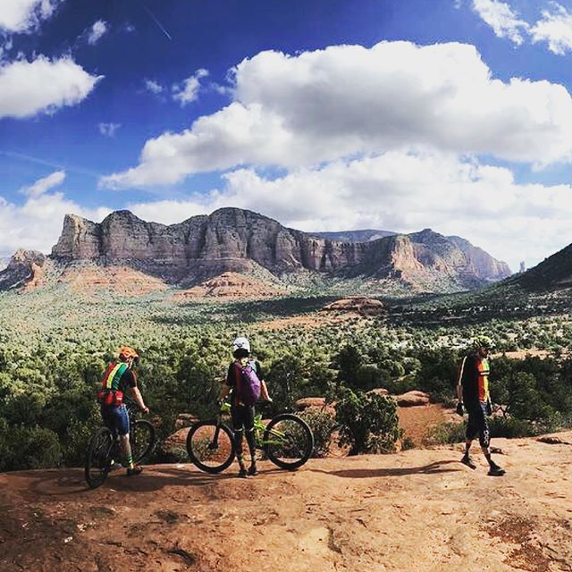 Real beautiful day in Sedona.  Swipe ----   for more!  #teamrudeboy303 #sedona #mountainbiking #jinjicycles #pano #apreseverything 📸: @rowdyboom