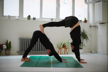 hmfyoga-partner-yoga