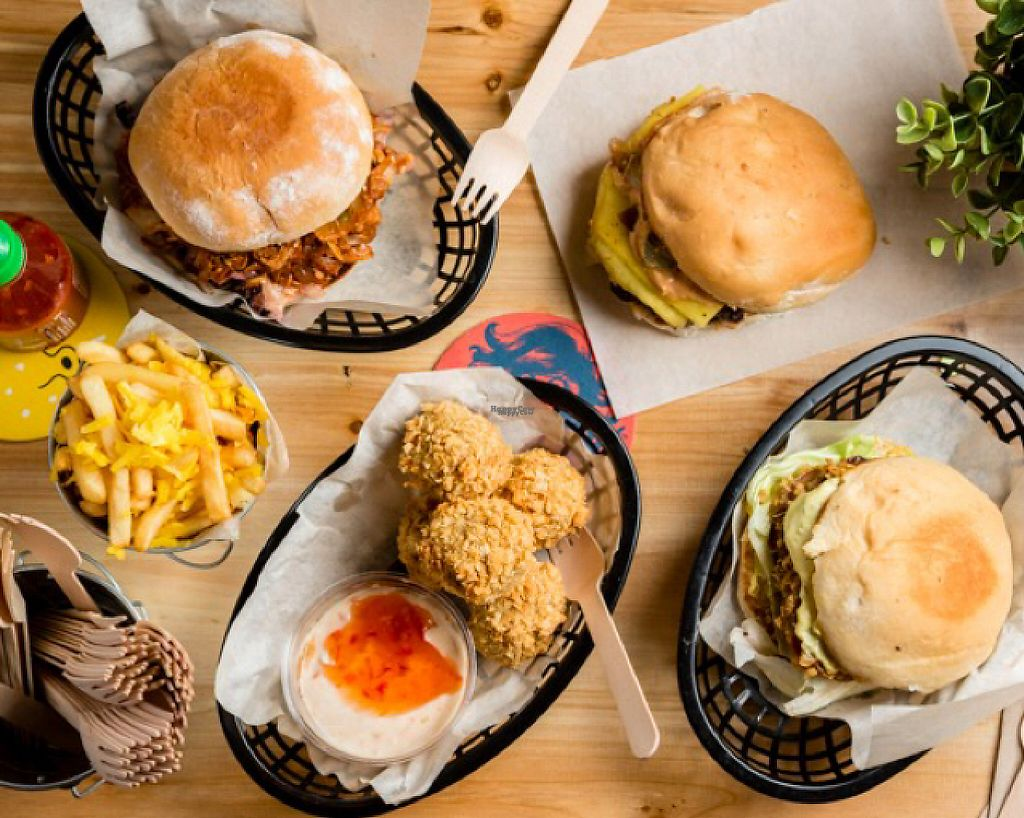 mooshies_vegan_burger_east_london