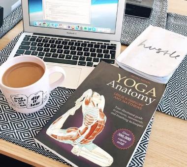 hmfyoga-yoga-london-teacher-helen