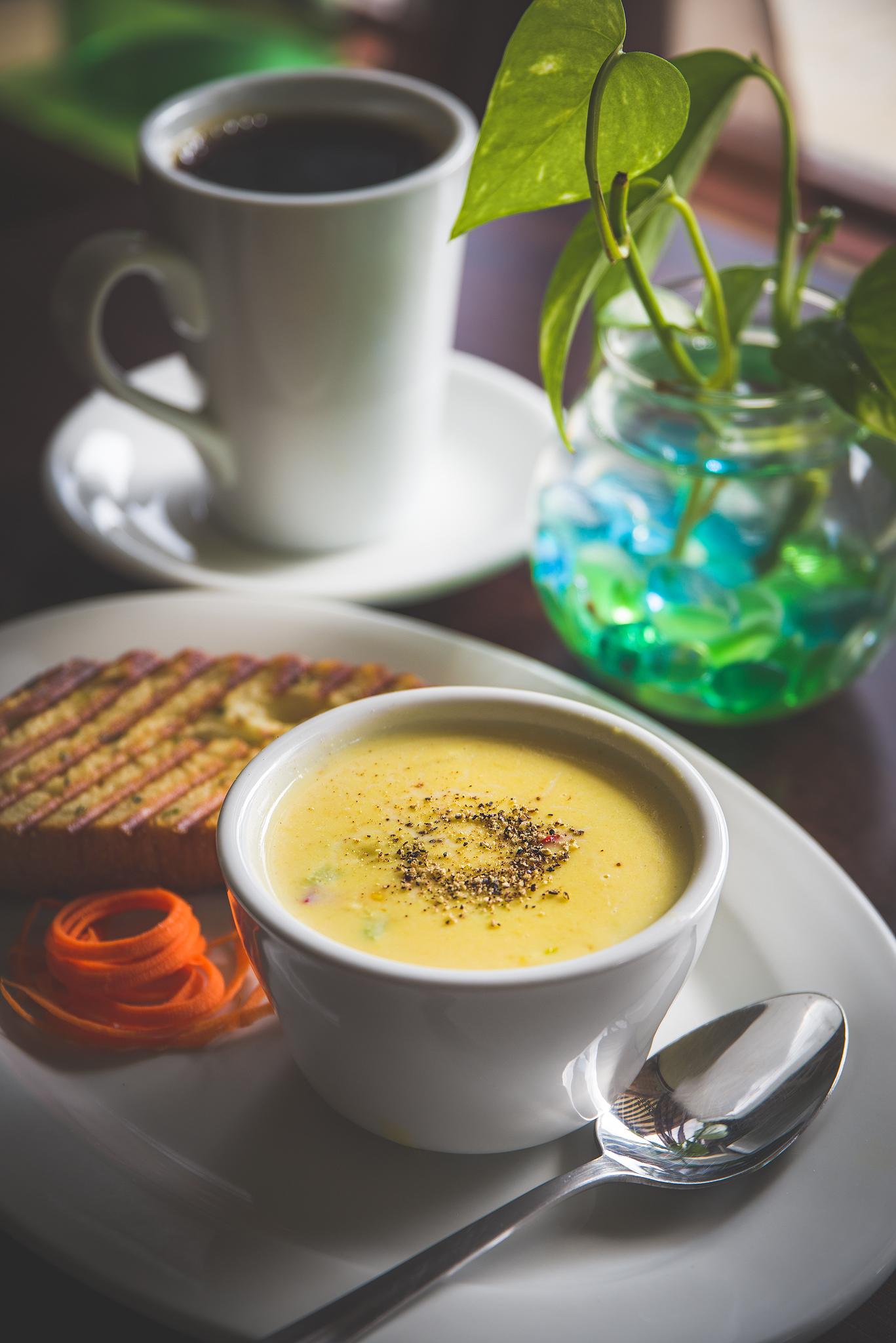 Corn chowder soup.jpg