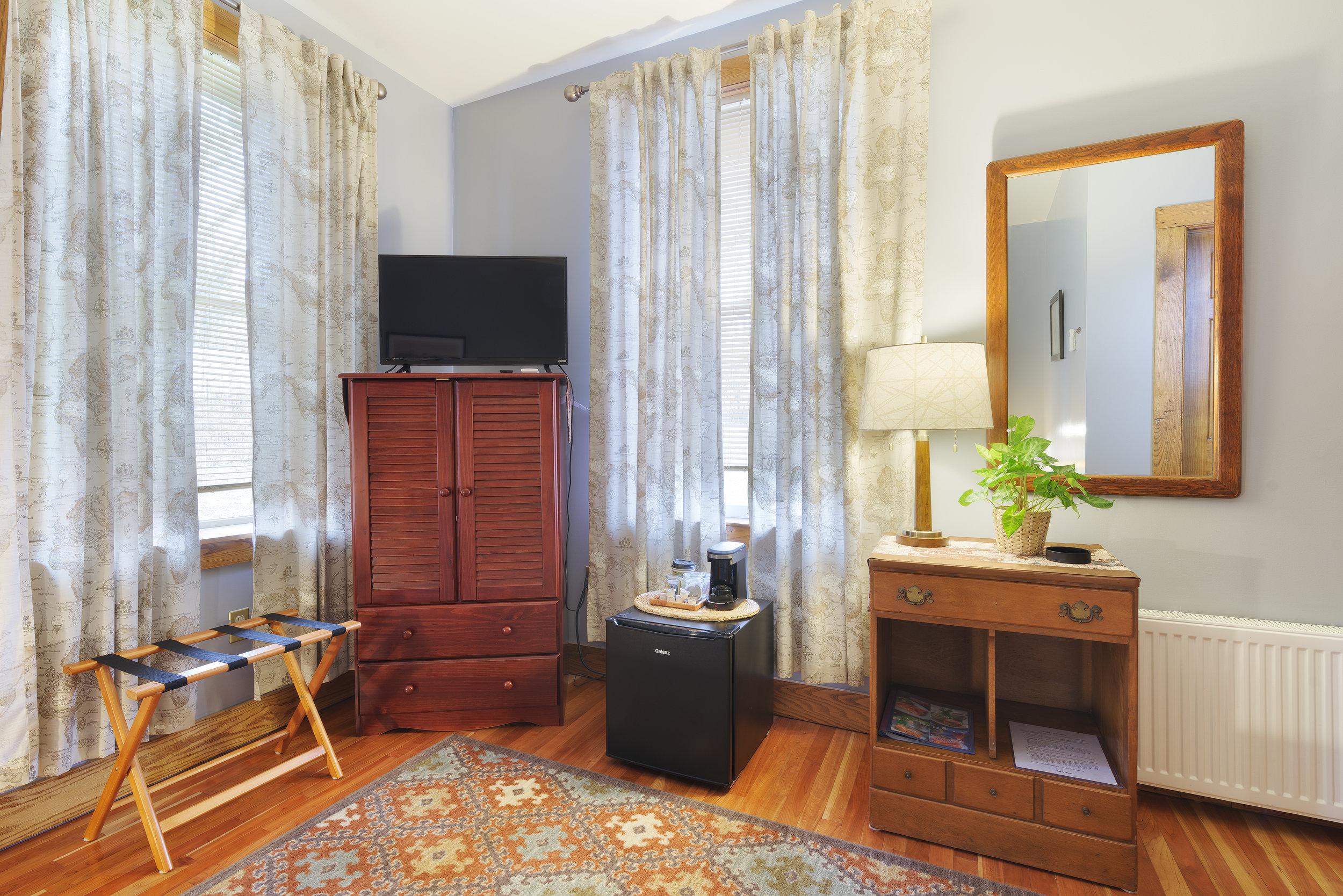 Room-204-2.jpg
