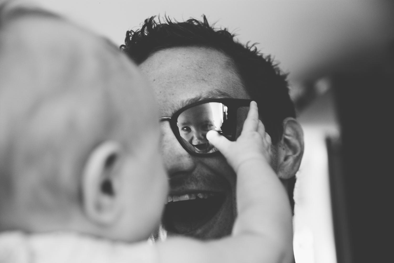 girl-reflection-in-sunglasses-photo-1.jpg