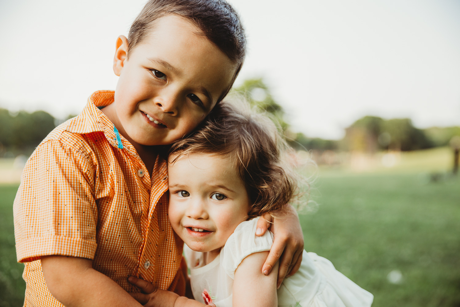 brother-and-sister-family-photos-1.jpg