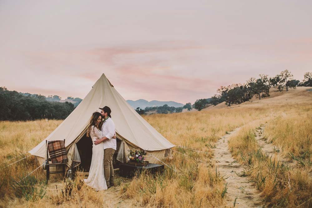 modern-safari-wedding-engagement-santa-margarita-ranch.jpg