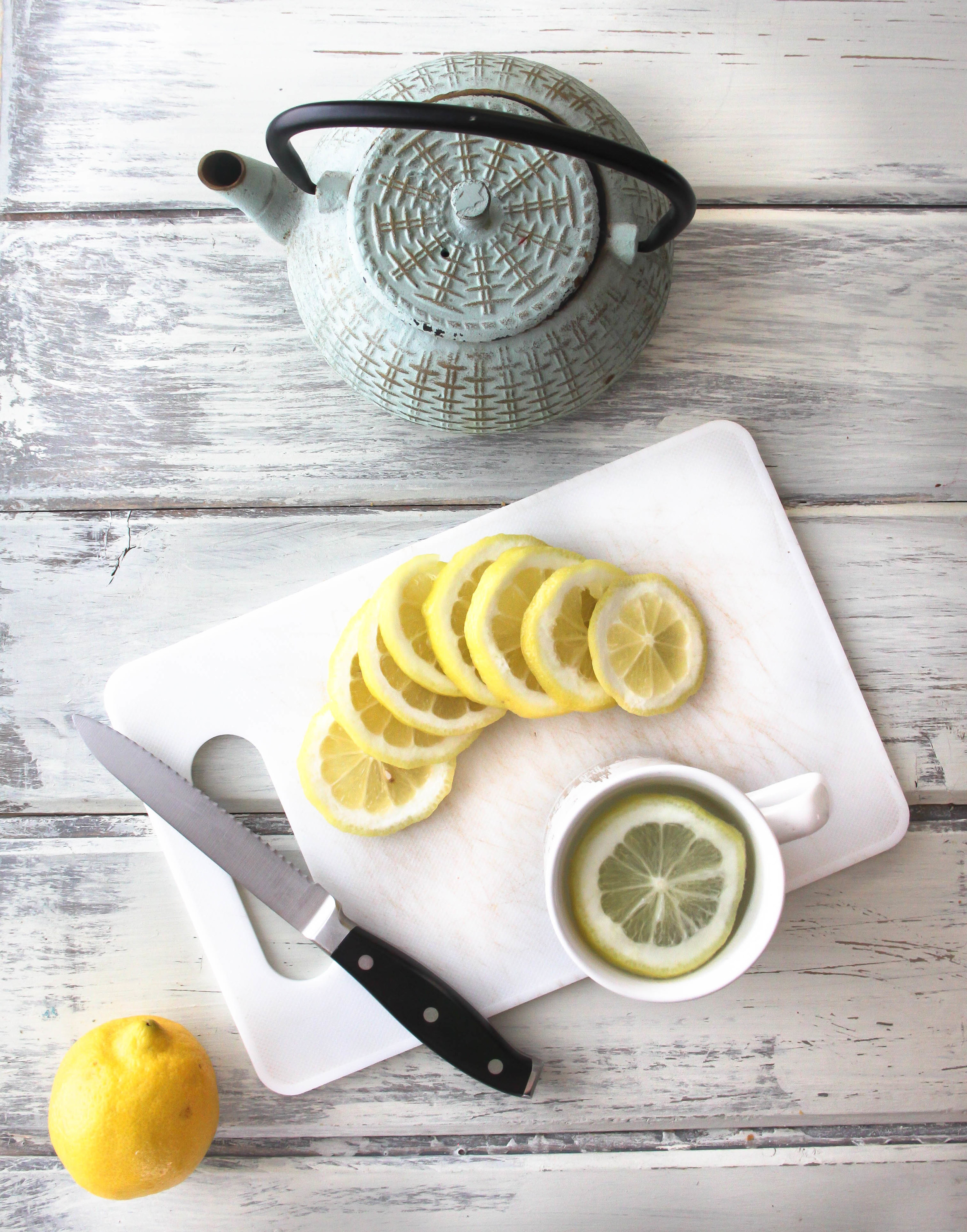 Benefits of drinking hot lemon water