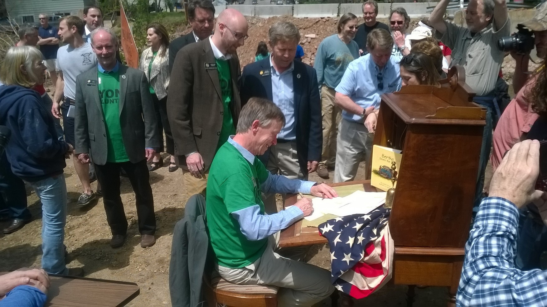 Colorado Governor Hickenlooper signing Colorado HB 2014 - 1006.