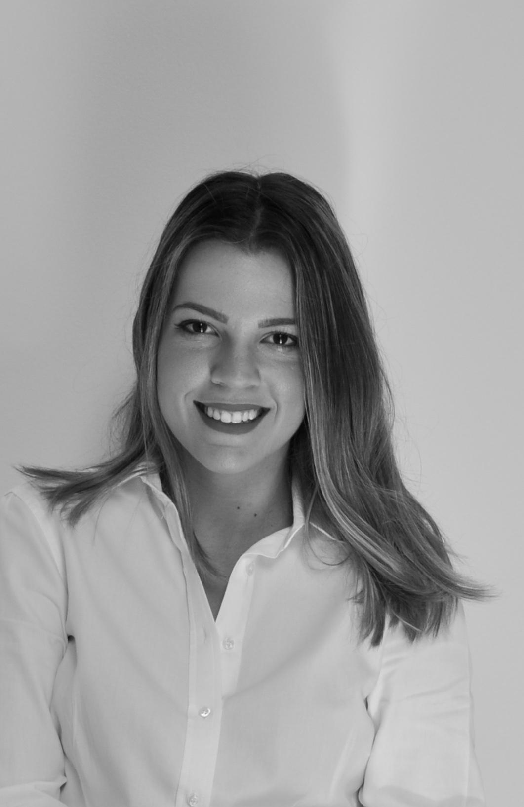 Mariana Anconi  Psicanalista e idealizadora do projeto Escutatório
