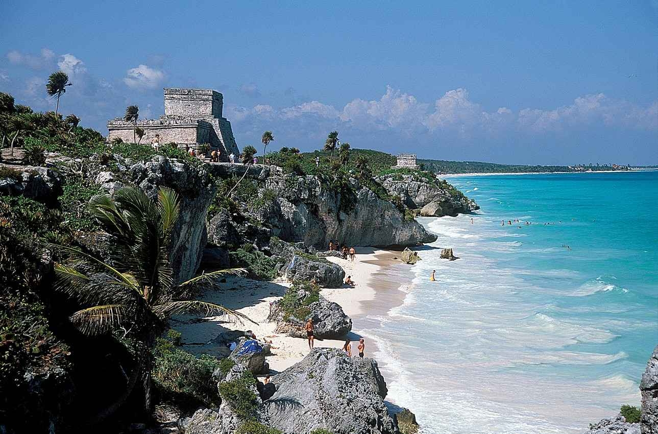 crystal-clear-blue-waters-next-to-tulum-ruins-and-beach.jpg-nggid03608-ngg0dyn-0x0x100-00f0w010c010r110f110r010t010.jpg