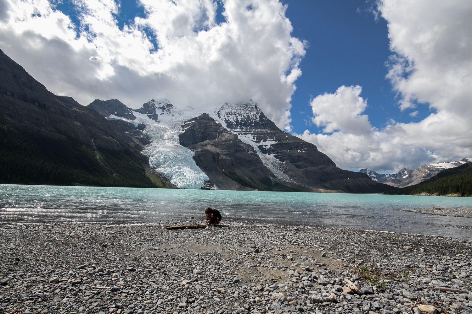 berg_lake_mount_robson.jpg