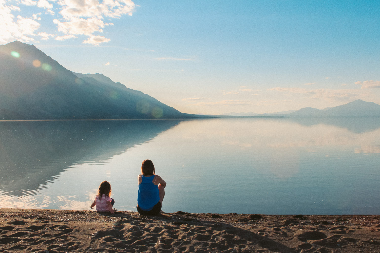 kluane-lake-family