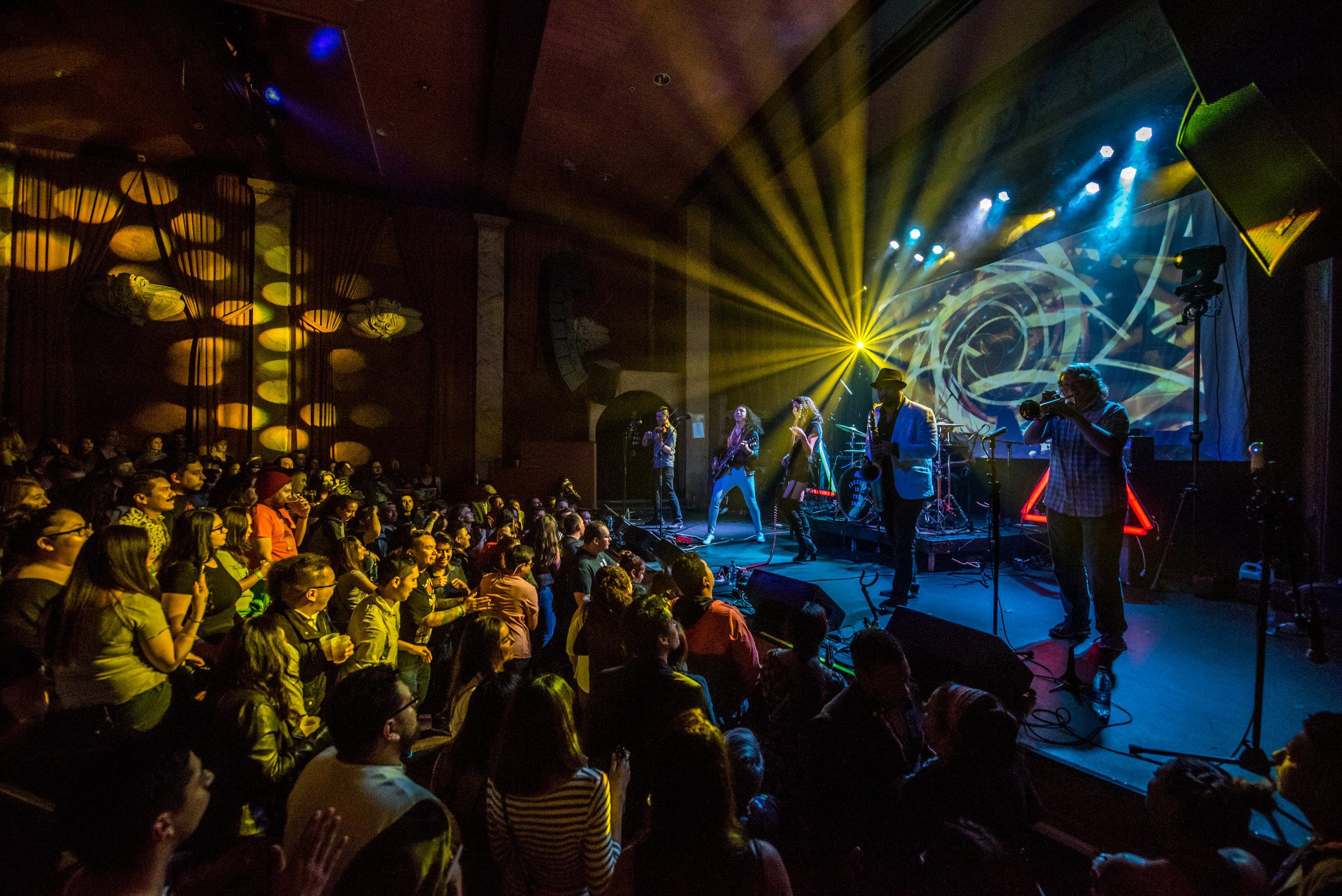 iZCALLi_Rock de Mayo-3.jpg
