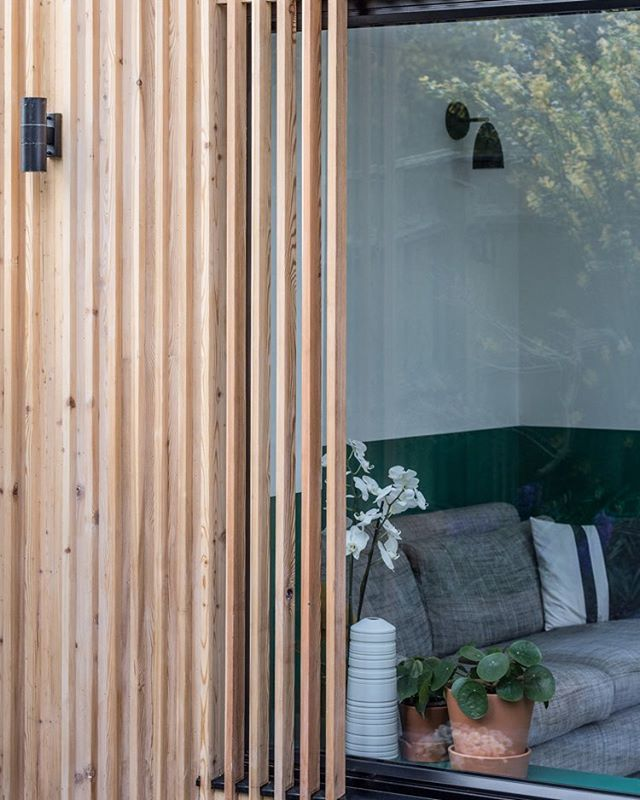 The recent garden room we completed with simple detailing to the external timber cladding #design #build #gardenroom #wowdevelopments #builders #birmingham #renovation #modernhouse #wood #texture #timber #contemporary