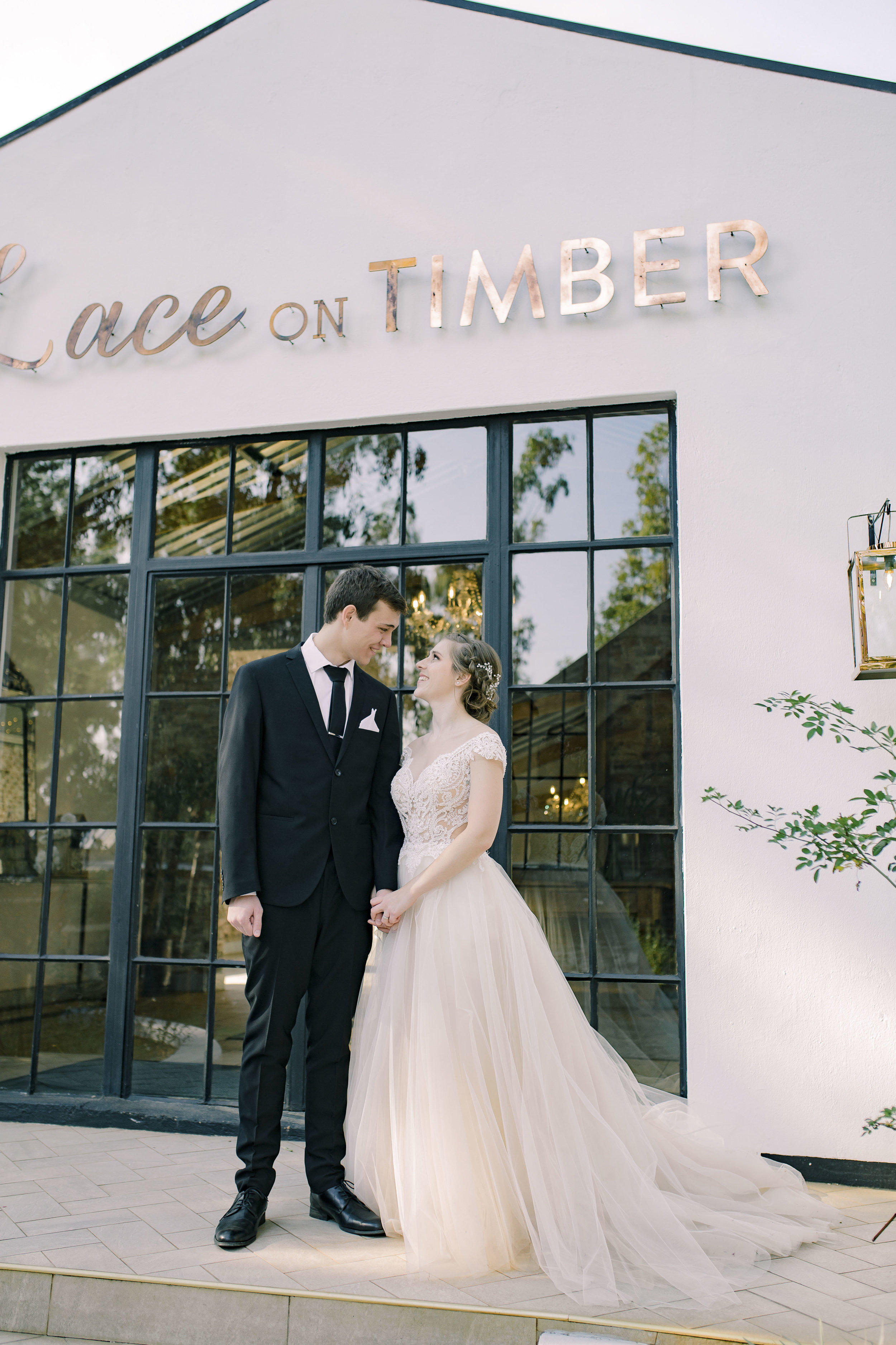 Lace on Timber wedding 2019
